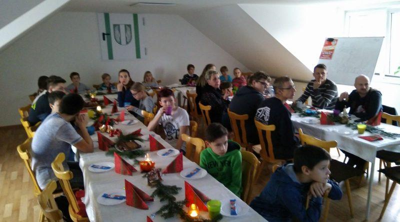 Weihnachtsfeier der Kinder- und Jugendfeuerwehr.
